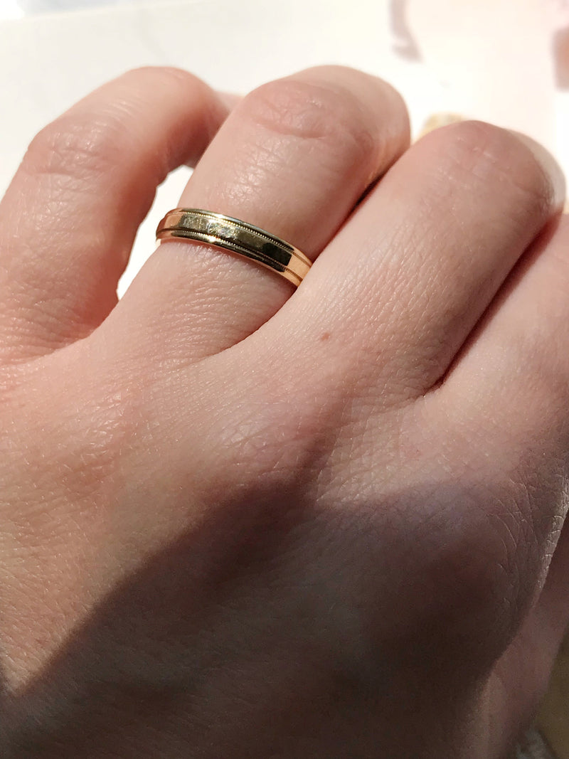 Vintage plain gold wedding band | Retro 1970's beveled milgrain engraved stack band | yellow gold classic minimalist wedding band | size 5