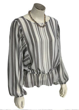 Load image into Gallery viewer, White 1 State- NWT Flutter Sleeve Blouse, S
