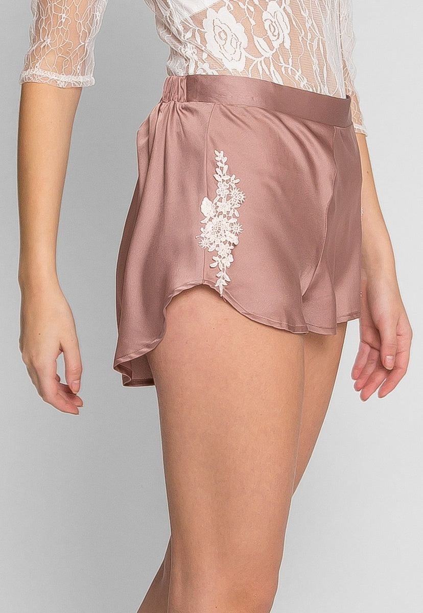 Daisy Satin Embroidered Shorts - Short - Wetseal