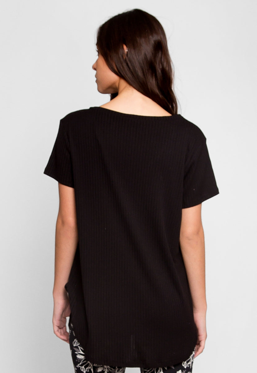 Essentials V-Neck Tee in Black - T-shirts - Wetseal
