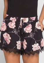 Flower Scent Lace Trim Shorts