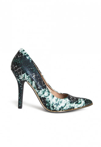 New Change Snakeskin Pumps