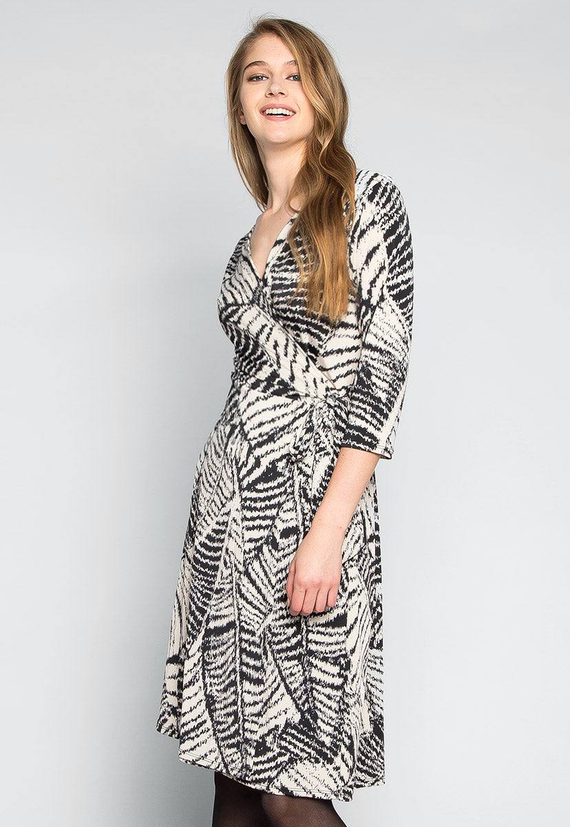 Scarlett Printed Wrap Dress - Dresses - Wetseal