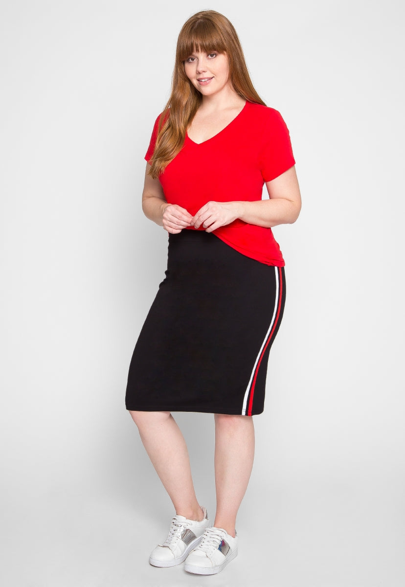 Plus Size The Basics V-Neck Tee in Red - Plus Tops - Wetseal