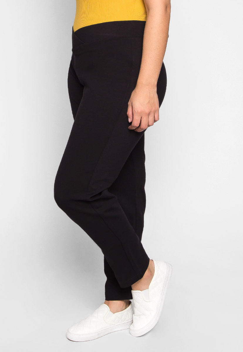 Plus Size Macaroon V-Waist Leggings in Black - Plus Bottoms - Wetseal