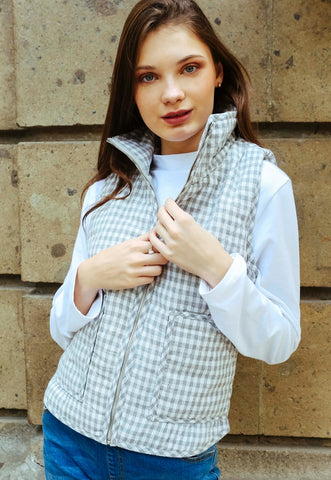 Hill Front Plaid Quilted Vest in Gray