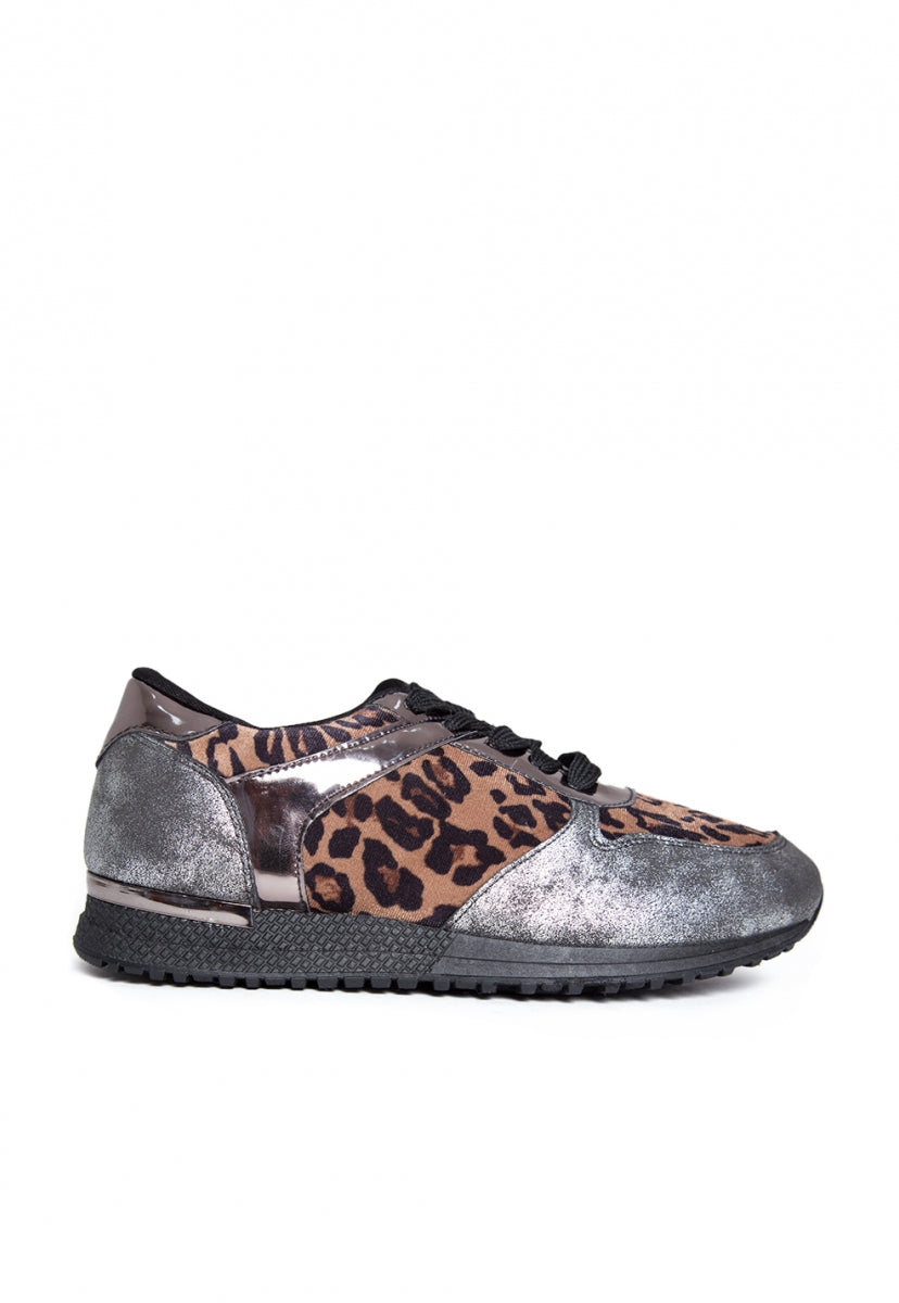 Fearless Animal Print Sneakers - Shoes - Wetseal
