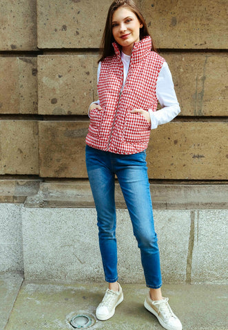 Hill Front Plaid Quilted Vest in Red