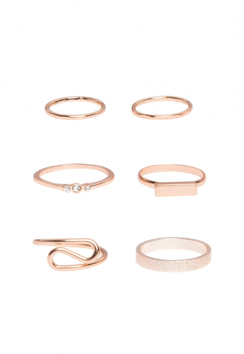 Minimalist stackable ring set in gold - Jewelry - Wetseal