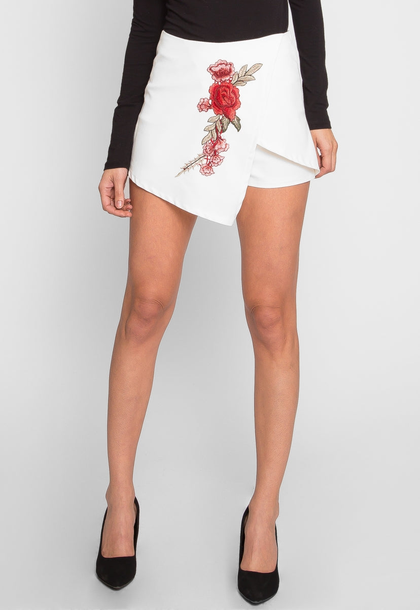 Rosa Floral Applique Skort in White - Skirts - Wetseal