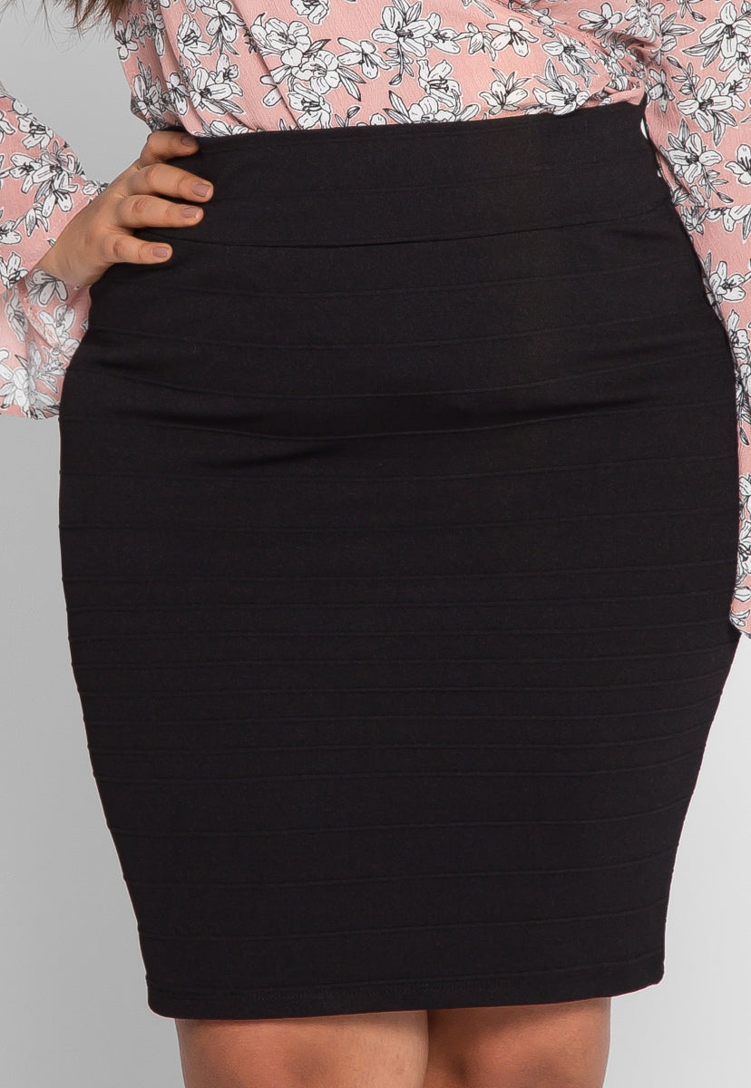 Plus Size Textured Fitted Skirt in Black - Plus Bottoms - Wetseal