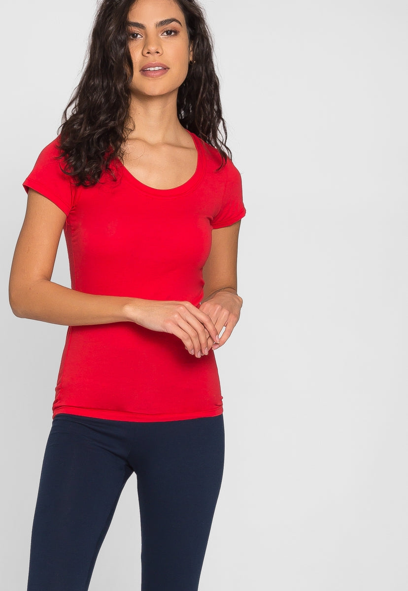 Billie Scoop Neck Tee in Red - T-shirts - Wetseal