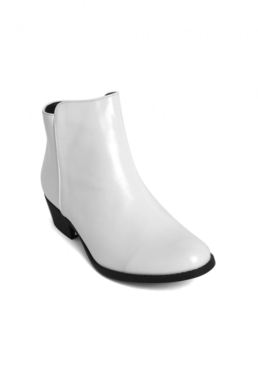 Black Star Ankle Booties in White - Shoes - Wetseal