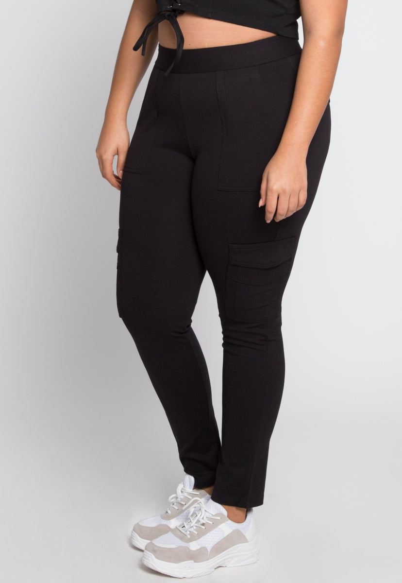 Plus Size Skinny Cargo Pants in Black
