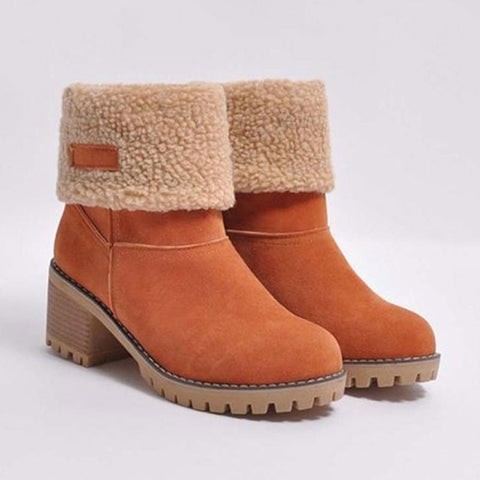 2019 winter Europe and America new female thick Martin boots with round head and middle tube women's large size snow boots