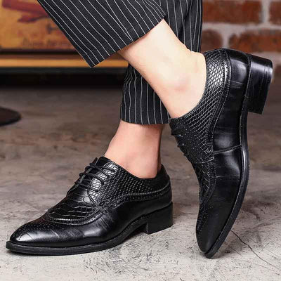 2019 new men's shoes business dress England shoes foreign trade large size shoes wear-resistant outsole lace comfortable wedding shoes
