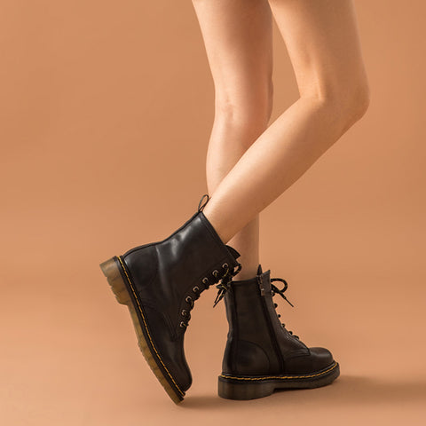 2019 new autumn and winter ankle boots retro in the boots women's flat leather shoes Martin boots