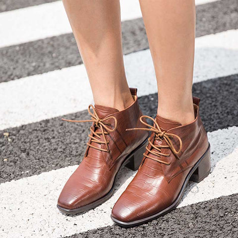 2019 new leather thick with women's boots women's booties wild square head autumn and winter British wind Chelsea boots