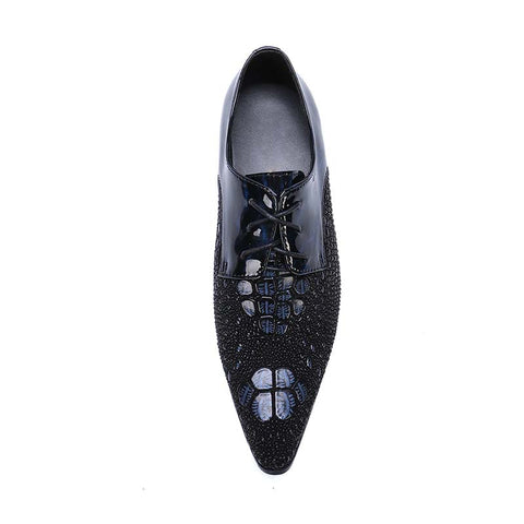 Men's low-cut leather shoes with bright leather shoes