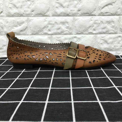 Pointed leather retro openwork buckle single shoes