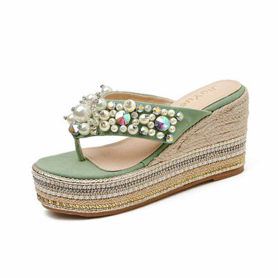 2020 summer new outer wear slope with pearl thick bottom women's flip flops