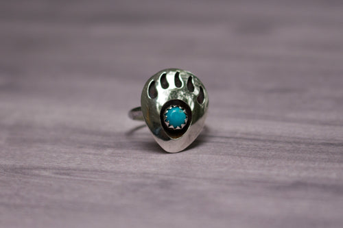 Vintage Native American Sterling Silver & Turquoise Bear Paw/Claw Pinky Ring, Size 3 1/4