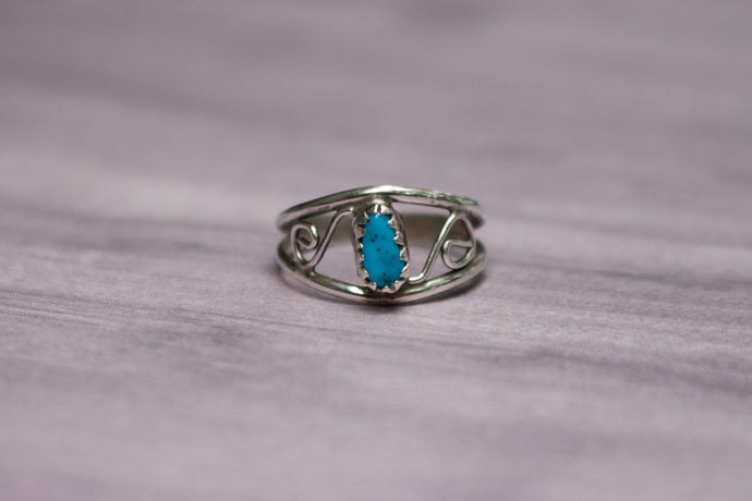 Vintage Native American Sterling Silver Swirls & Turquoise Pinky Ring, Size 4 1/4