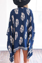 Load image into Gallery viewer, Snap Front Printed Long Sleeve Kimono