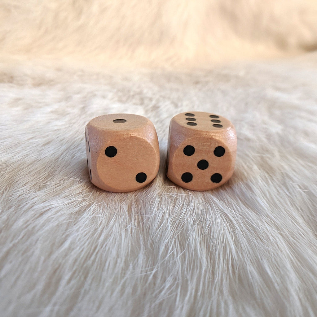 Wood Set of 2 D6s, Light Wooden Dice - CozyGamer