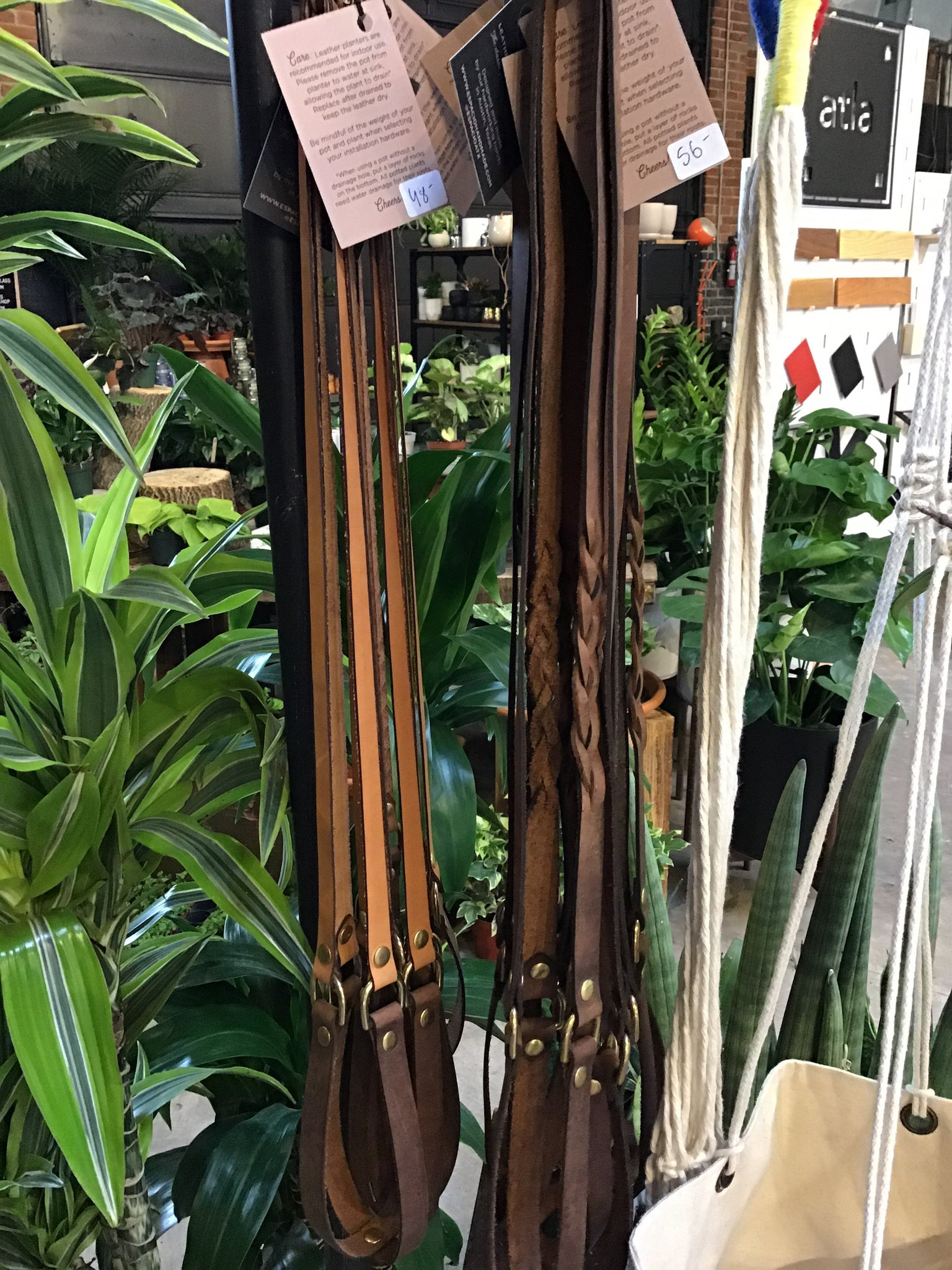 Espacio- Leather Plant Hanger