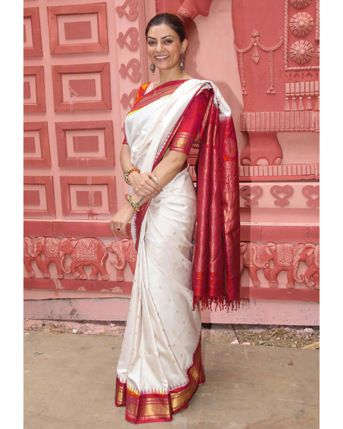 White Red Colour Soft Silk Designer Saree MF30134
