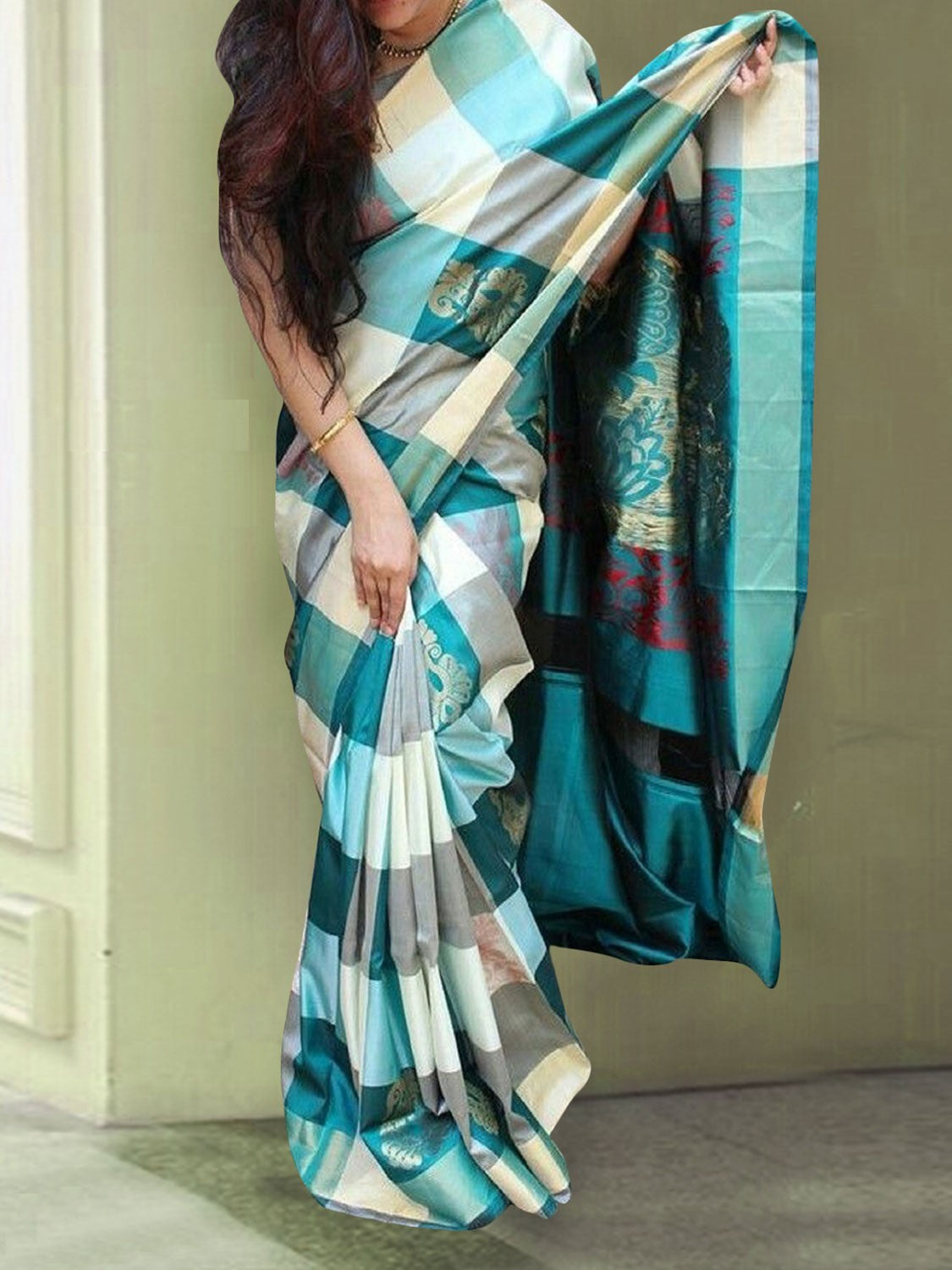 Cheked Colour Soft Silk Designer Saree MF30201