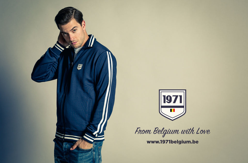 Discover 1971'univers, premium poly cotton zipped sweatshirt BRUCE, blue color, regular fit, authentic retro outfit, designed in Belgium, made in Portugal