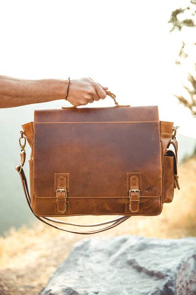 Sitka Large Leather Messenger