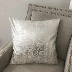 Electra Pillows | Size 20X20 | Color Natural/Silver