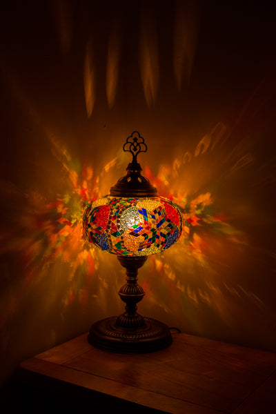 Hand Made Turkish Mosaic Size 5 Table Lamp in Mixed Daisy Design