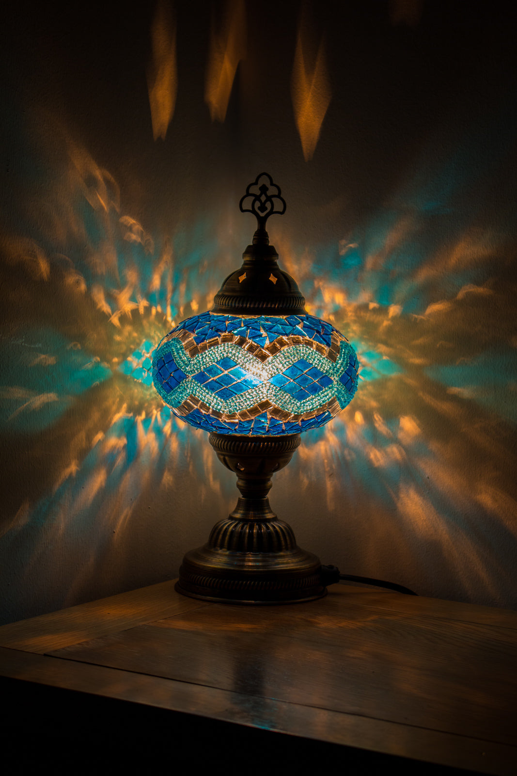 Hand Made Mosaic Table Lamp Size 3 in Turquoise Rug Design