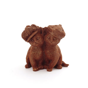 Сat berets Chocolate Figure