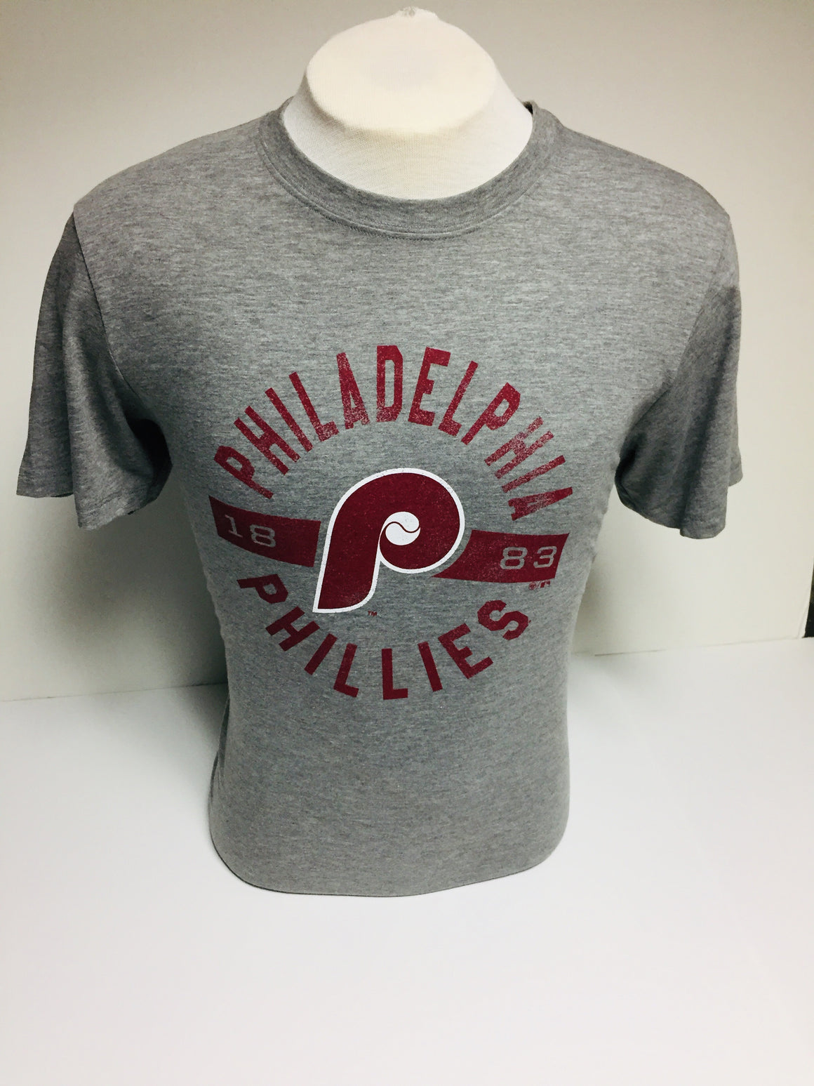 PHILADELPHIA PHILLIES ROUNDABOUT '47 CLUB TEE