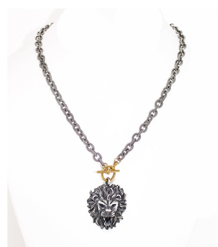 Lion necklace with striped chain - Laura Cantu Jewelry - Mx