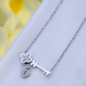 """Key of my heart"" Necklace in 14k Gold Plating"