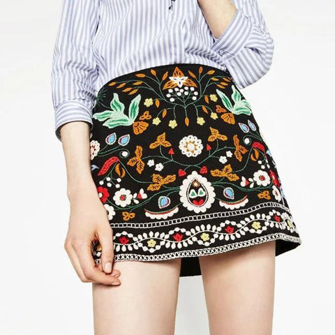 Chic embroidery mini skirt