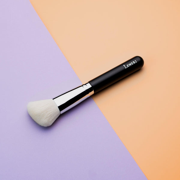 Pro Angled Blush Brush B218 - Lemeri Beauty