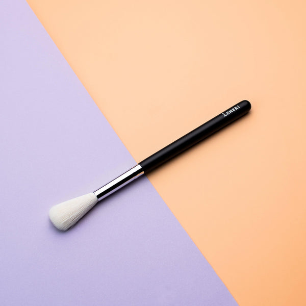 Pro Mini Highlighter Brush B601 - Lemeri Beauty