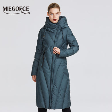 Jacket Women Coat With a Resistant  Windproof Collar