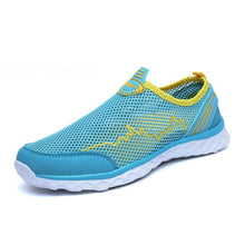 Load image into Gallery viewer, Water Shoes Men Women Lightweight Breathable Mesh