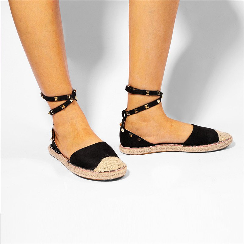 Women Casual Flat Buckle Sandal Shoes With Rivet