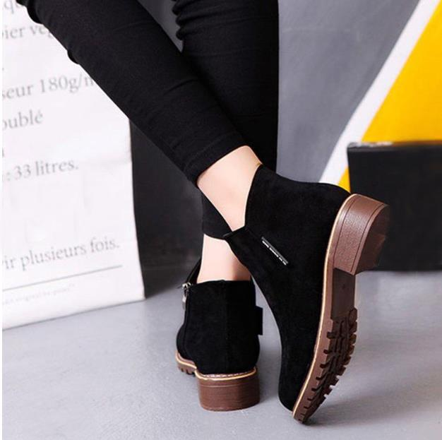 Solid Color Leisure Leather Buckle Flat Shoes