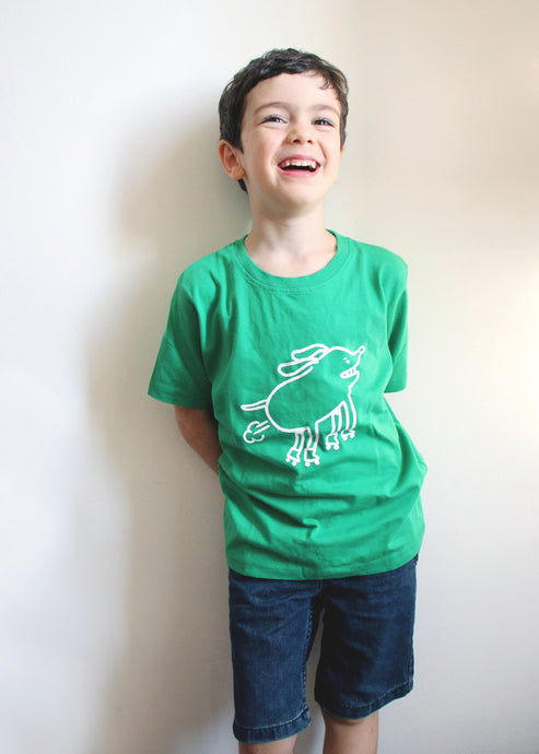 Tshirt Kids - BJORGE Rollerskating Dog - Kids T-shirt - GREEN - by Busking Bears