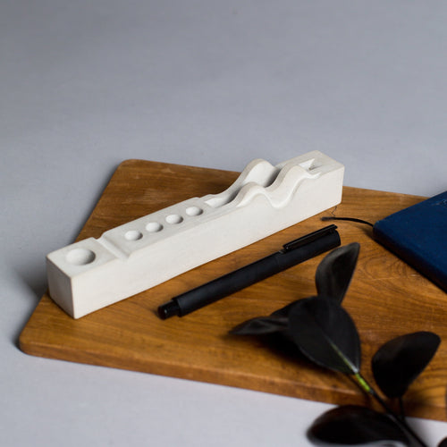Concrete Waves desk organiser - thecrio